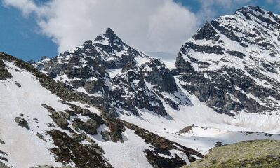 Al centro il canale di discesa sul ghiacciaio della capra. A sinistra non visibile il colle del palo
