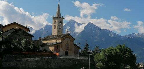 Chiesa di Roisan con Emilius e Becca di Nona