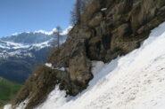 il caratteristico passaggio nella roccia del Ru che porta Plan du Débat