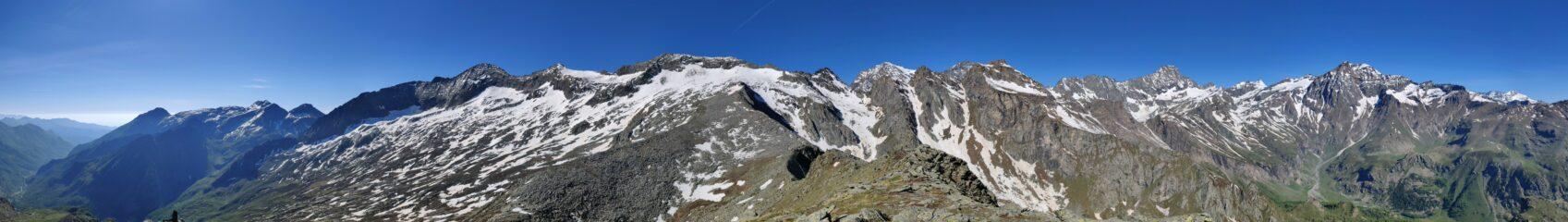 panorama dal monte rosso d'Ala alla Ciamarella