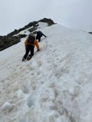 cresta nevosa prima della vetta