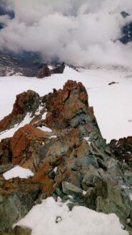 Tratto delle roccette dallo sbocco del canalino nevoso