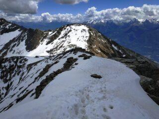 Scendendo dalla Viou osserviamo la salita al Mont Mary.