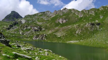 Lago Santanel e da sinistra Monte Nero e cima Santanel