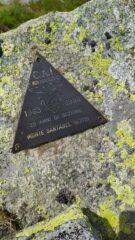 La targa del CAI di Rivarolo sulla vetta