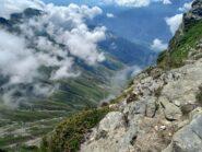 Salendo sulla cresta si vede il vallo e di subiasco in val pellice con alpeggio barma d aout