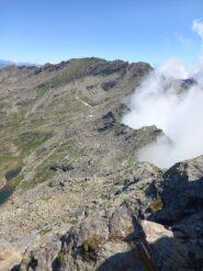 Dalla cresta nebbia della val pellice. E la punta cialancia