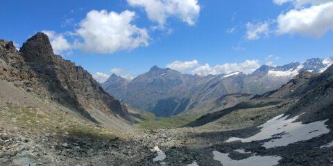 panorama verso est, con Grivola e Gran Paradiso