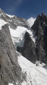 l'alto bacino glaciale del Freney in direzione del col Peuterey..dalla Punta Innomimata..