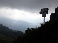 Bivio del sentiero 501 per la discesa verso Zambla.