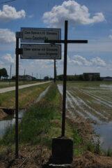 Il bivio dove si lascia la strada asfaltata Casalgiate-Gionzana per la Cascinetta e la Roggia Biraga