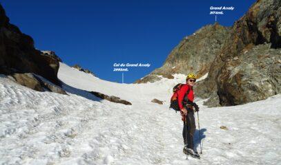 Il tratto del ghiacciaio verso il colle.