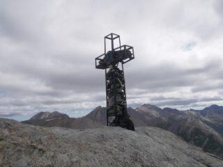 la croce sulla cima nord