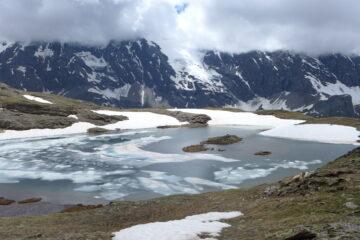 Lago di San Martino, parzialmente gelato