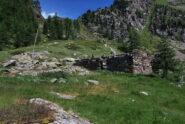 All'alpeggio di Fouillou dove si lascia il sentiero 105 e si scende lungo il 5