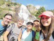 Selfie con il cascatone
