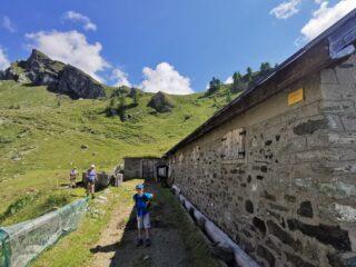 Grange Marmotta e meta sulla sfondo