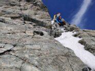 Prima parte del salto roccioso, la corda fissa è stata sostituita da una catena