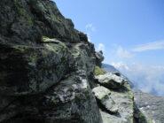 stretto terrazzino sotto la cima