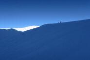 3 alpinisti francesi stanno arrivando in vetta al Dome de Neige des Glaciers