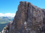Il salto verticale che la Croda Sora i Colesei rivolge verso Forcella Popera.