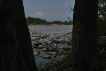Sesia visto dove il metanodotto Snam attraversa il fiume.