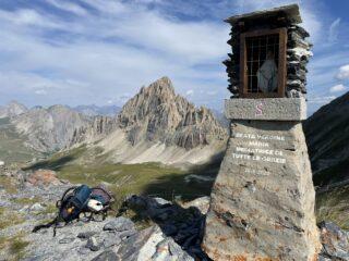 Becco Nero, sullo sfondo Rocca La Meja