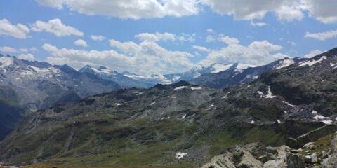 panorama verso la testata della Valgrisance, scendendo