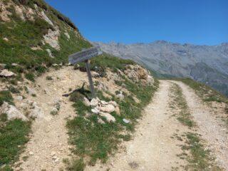 Bivio con sentiero da prendere per salire