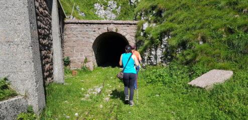 ingresso galleria per cava del marmo