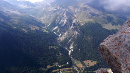 la Val d' Etiache, al fondo Pic du Diable e Gros Peyron