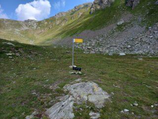 Bivio con indicazioni Mont Fallere/Lago Morto (sent. 13E)
