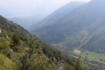 discesa sentiero 806 - vista su Sella Chianzutan