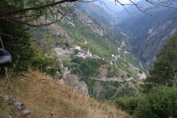 vista su Stroppo da camino di San Martino