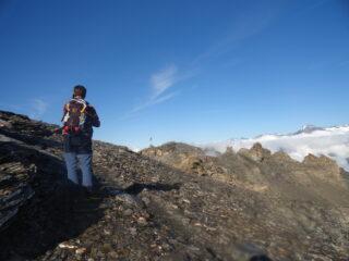 Giunti al Col du Lou, la prima punta innanzi a noi