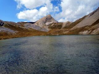 la punta della Reculaye al fondo dell'omonimo lago