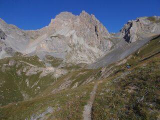 il Monte Oronaye a sx del colle ,dal vallone di salita