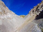 Il sentiero  sui ghiaioni prima del ripido tratto finale