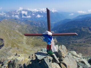 la croce di ferro sulla cima
