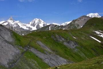 Panorama verso Nord, con il Tormotta sulla dx, dal colletto q.2563