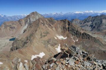 vista verso Emilius e sullo sfondo Cervino e Monte Rosa