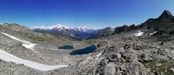 laghi. Bianco e Grand Assaly a ds.