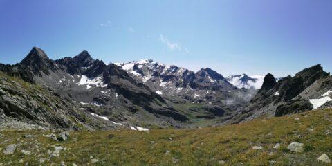 panorama sui monti di confine lato francese