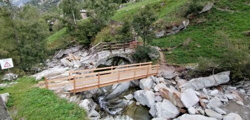 Ponte crollato ponte sostituito