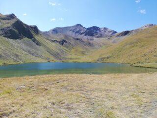 Lac de Terres Pleines e dietro le Chevalier