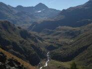 Salendo nel vallone Crot Fleurie , sullo sfondo la Tersiva