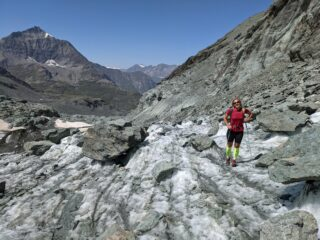 Salendo il ghiacciaio di punta Maria, sotto il colle di Arnas