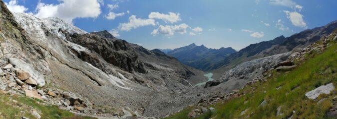 vista dal famoso praticello, con i due rami dal ghiacciaio del lys