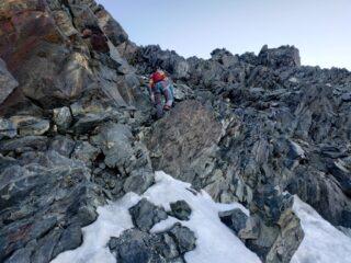 Tratto per accedere al secondo ghiacciaio per cenge e tracce.