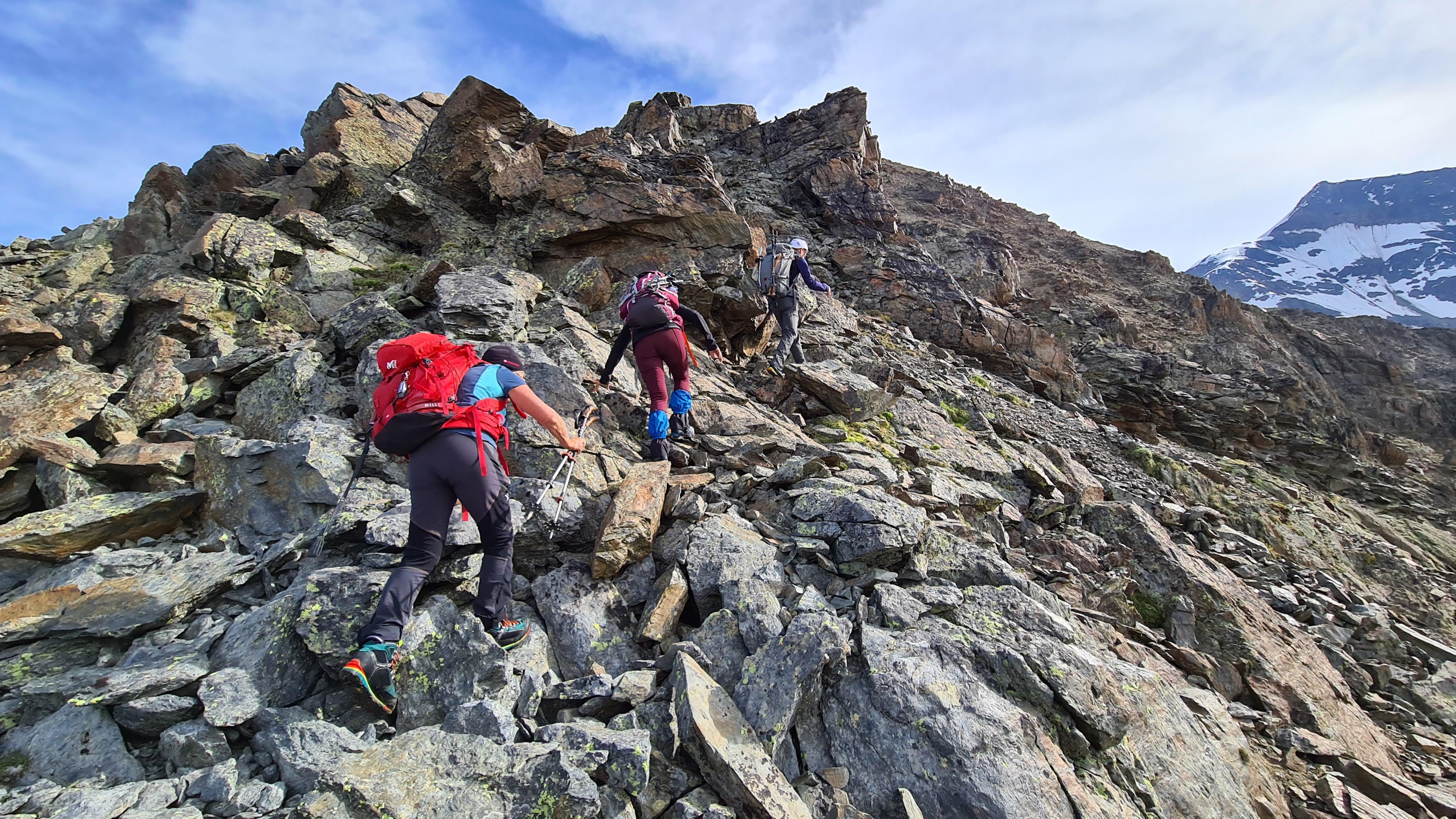 risalendo la prima parte della cresta SO del Monte Pasquale